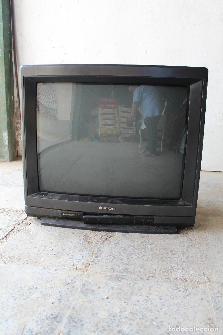 TELEVISOR ANTIGO HITACHI C33-P900 DE MADERA (Vintage - Varios)