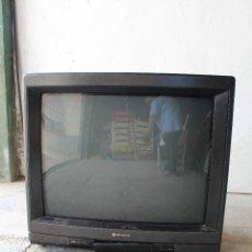 Vintage: TELEVISOR ANTIGO HITACHI C33-P900 DE MADERA. Lote 206954078