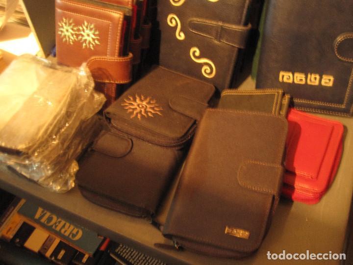 Vintage: Lote 16 piezas. Agendas/organizer universales y carteras de piel sintética - Foto 5 - 210012845