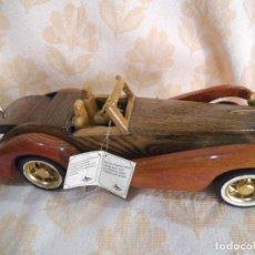 Vintage: COCHE DE MADERA. Lote 210486736