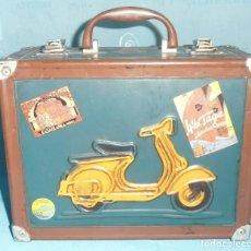 Vintage: MALETIN DE LATA, TIPO MALETA ANTIGUA. Lote 210971904