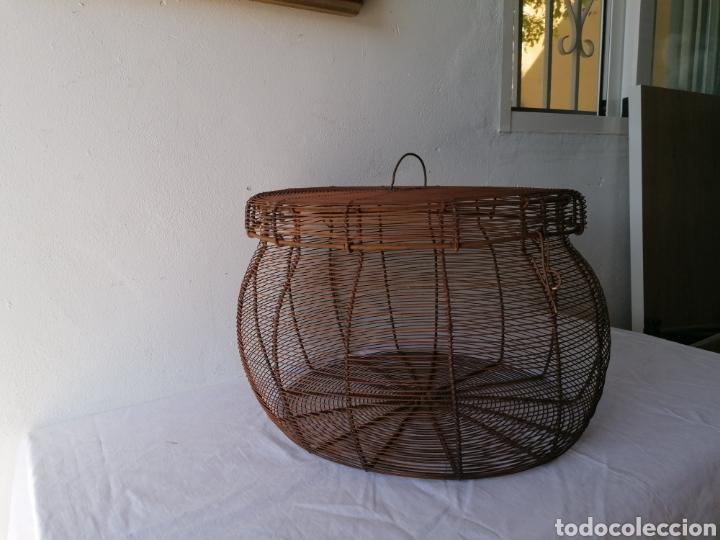 Vintage: Cesta de hierro con tapa - Foto 2 - 211555266