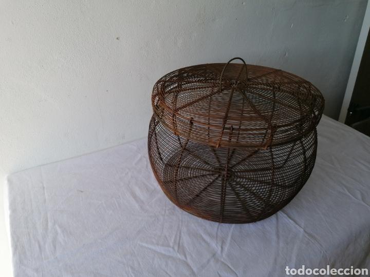 Vintage: Cesta de hierro con tapa mediana - Foto 2 - 211555571