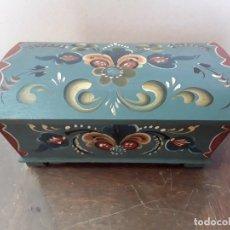 Vintage: PEQUEÑO BAÚL ALSACIANO, AÑOS 50. Lote 212598758