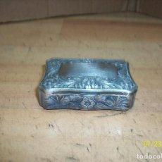 Vintage: PEQUEÑO COFRE DE METAL. Lote 212708627