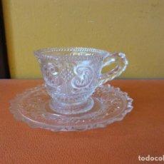 Vintage: BONITO JUEGO DE TÉ O CAFÉ EN CRISTAL. MEDIDAS PLATO DIÁMETRO 14 CM TAZA DIÁMETRO 7.5 CM ALTO 6.5 CM. Lote 213165972