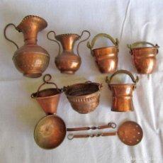 Vintage: 9 CACHARROS DE COCINA EN MINIATURA DE COBRE Y BRONCE. Lote 215033490