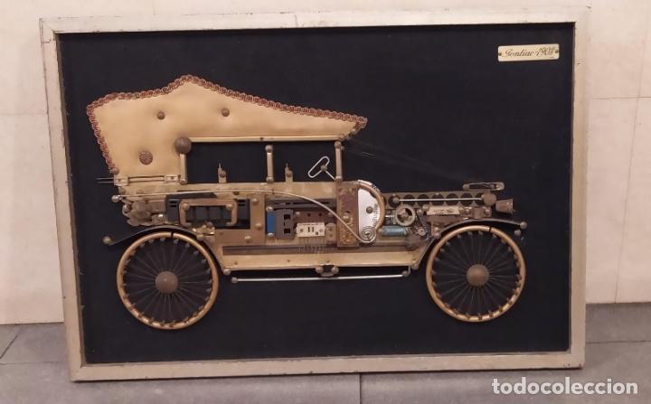 CUADRO GRANDE DE COCHE ARTESANAL HECHO A MANO CON PIEZAS. PONTIAC 1903. 60CM X 43 CM (Vintage - Decoración - Varios)