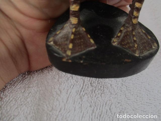 Vintage: Bonita pareja de patos de madera Chinos. 16 y 17 cm de altura. - Foto 19 - 220759508