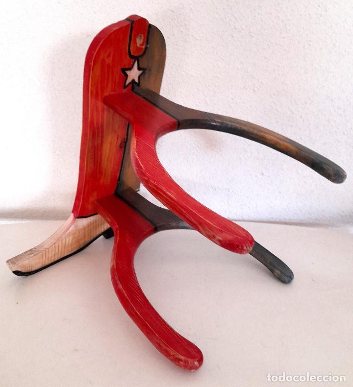 Vintage: Raro Expositor de pared soporte madera bota campera vaquera publicidad calzado country 45 cm alto - Foto 12 - 221094967