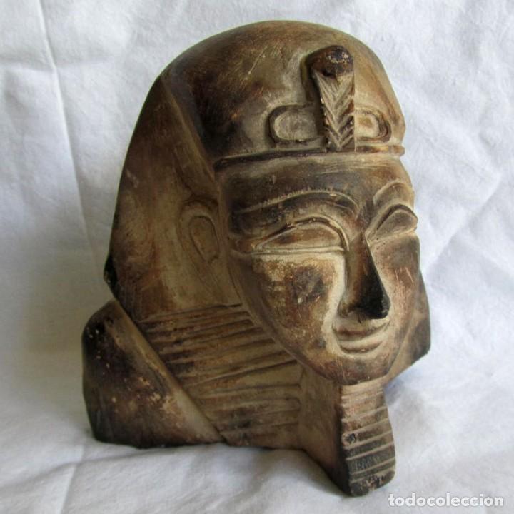 FIGURA BUSTO EGIPCIO TALLADO EN PIEDRA, TUTANKAMON (Vintage - Decoración - Varios)