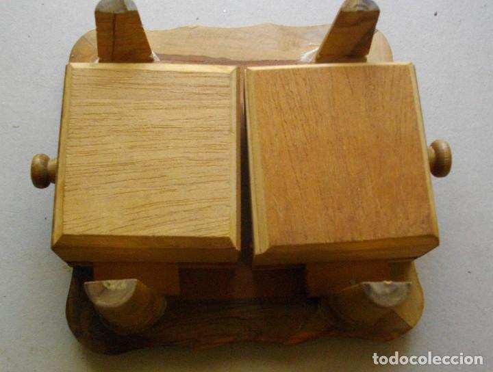 Vintage: pequeña mesita / ajedrez con cajones para piezas - Foto 4 - 221467886