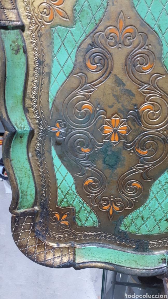 Vintage: Antigua bandeja pvc símil madera diseño florentino sello en parte trasera FLORENTINA - Foto 2 - 221500303