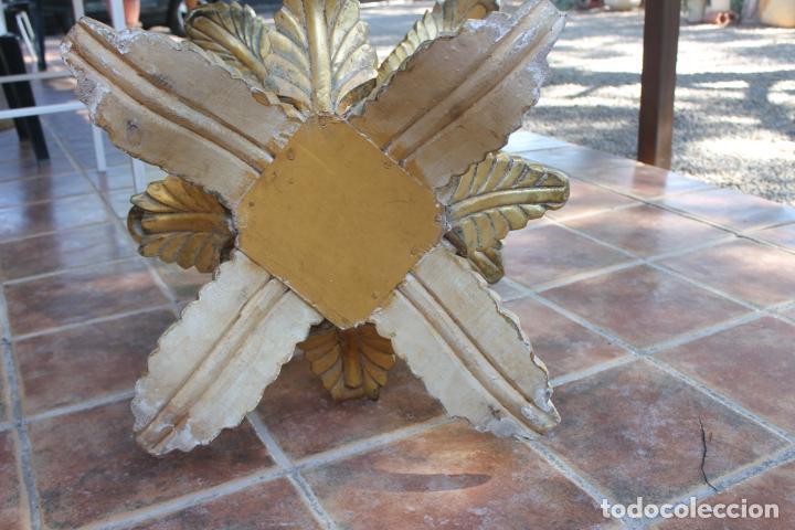 Vintage: MESA MADERA PAN DE ORO CON HOJAS, AÑOS 50 - 60 - Foto 3 - 221743007