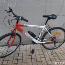 Vintage: BICICLETA VINTAGE GOLD HI WAY TRACTION, TOTALMENTE COMPLETA, MUY BUEN ESTADO FUNCIONANDO PERFECTA. Lote 222423146