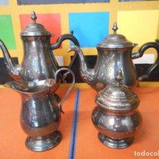 Vintage: ELEGANTE CONJUNTO DE CAFETERA, LECHERA, TETERA Y AZUCARERO. BAÑADA EN PLATA.. Lote 224320482