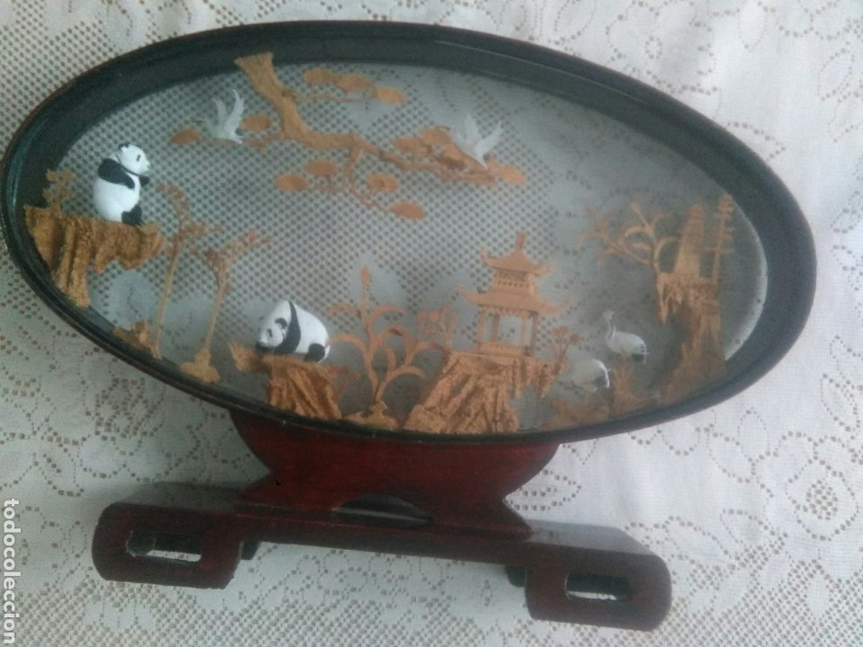 PAISAJE CHINO CON OSOS PANDA Y CORCHO DENTRO DE CRISTAL (Vintage - Decoración - Varios)