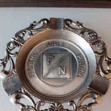 Vintage: CENICERO FUERZA NUEVA BLAS PIÑAR FRANCISCO FRANCO FALANGE TRANSICION. Lote 228282005