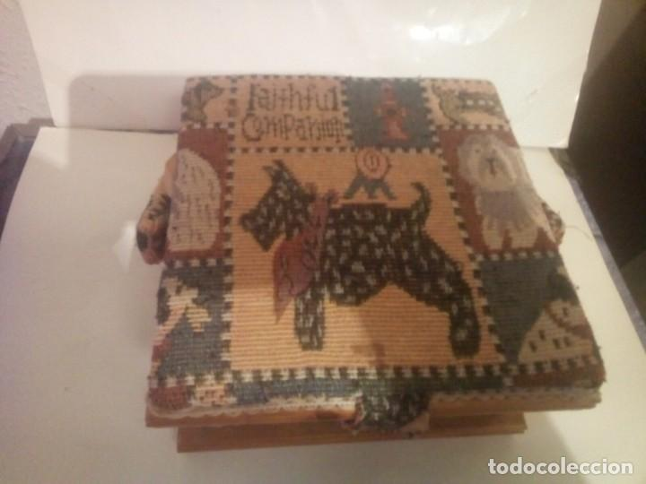 Vintage: antiguo costurero de madera y tela - Foto 3 - 230608795