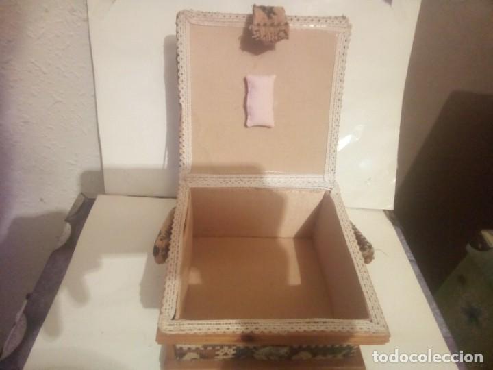 Vintage: antiguo costurero de madera y tela - Foto 4 - 230608795