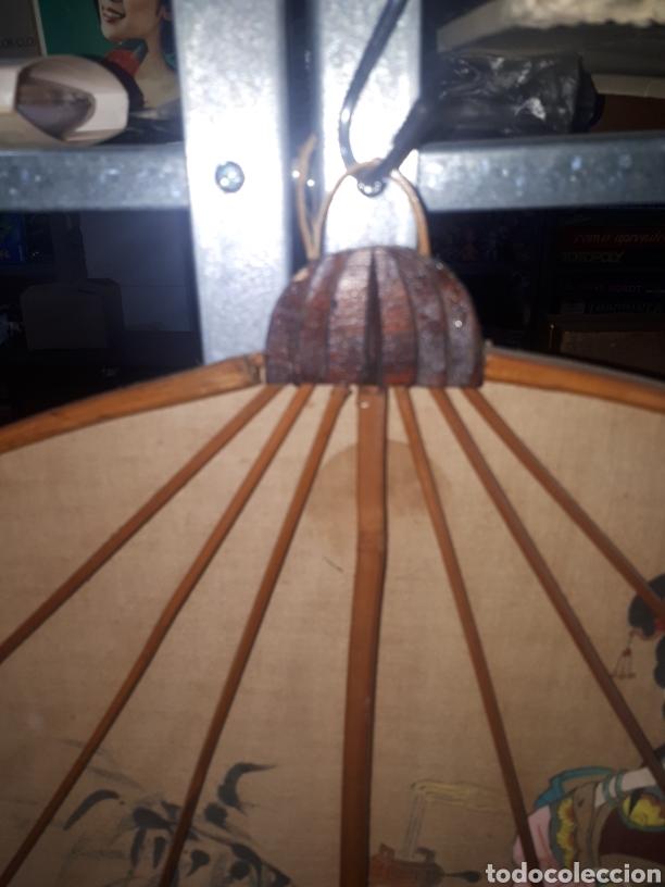 Vintage: Curioso paraguas abanico pared decorativo pintado a mano gheisa china años 50 - Foto 4 - 231982695
