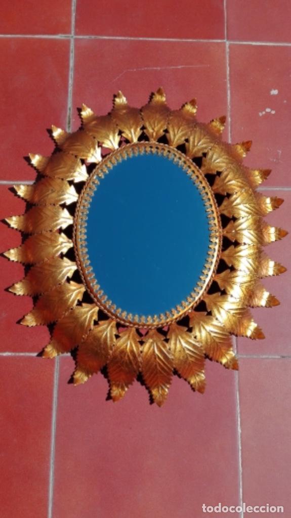 ESPEJO SOL OVALADO METAL DORADO VINTAGE ANTIGUO (Vintage - Decoración - Varios)