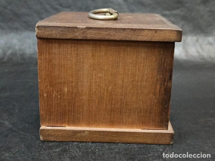 Vintage: Mueblecito con posavasos. C8 - Foto 2 - 239387440