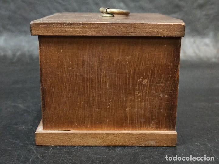 Vintage: Mueblecito con posavasos. C8 - Foto 4 - 239387440