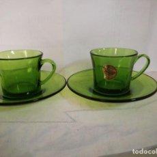 Vintage: PAREJA DE TAZAS DURALEX VERDE DE CAFÉ SOLO. Lote 239983965