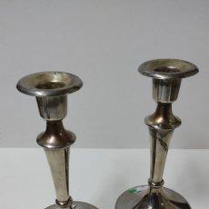 Vintage: CANDELABROS O CANDELEROS EN METAL PLATEADO.17,5 CMS APROX DE ALTURA. Lote 243974225