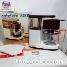 Vintage: CAFETERA VINTAGE MARCA MOULINEX MODELO 5009 CON CAJA (AÑOS 70) FUNCIONANDO. Lote 245097895