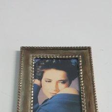 Vintage: MARCO METAL PLATEADO. Lote 246481905
