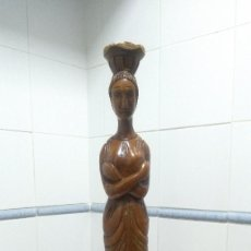 Vintage: PIE DE LAMPARA O MESA AUXILIAR - FIGURA MUJER - MADERA. Lote 251571185