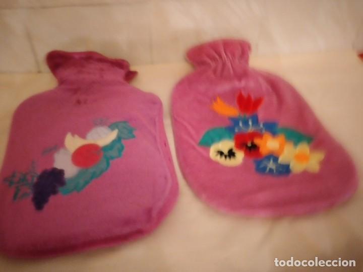 Vintage: Lote de 2 antiguas bolsas de agua para calentar la cama,con funda de terciopelo con flores bordadas. - Foto 2 - 253566115
