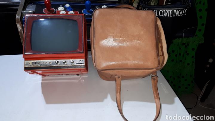 Vintage: Antigua televisión de viaje con fundar inter - Foto 2 - 253804725