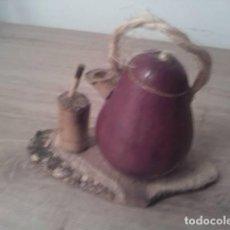 Vintage: SOUVENIR DE ARGENTINA TETERA DE MADERA COLOR MORADO. MEDIDA: 6CM.. Lote 254843115