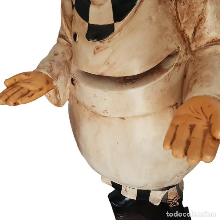 Vintage: Figura de un cocinero de resina de 99 cm de alto. - Foto 4 - 261114720