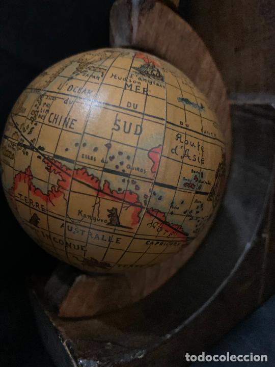 Vintage: Preciosa pareja de sujetalibros en madera, globo terraqueo o bolas del mundo. Excelente estado - Foto 2 - 261118015