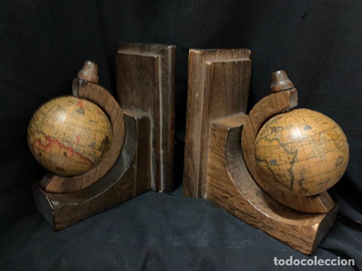 Vintage: Preciosa pareja de sujetalibros en madera, globo terraqueo o bolas del mundo. Excelente estado - Foto 5 - 261118015