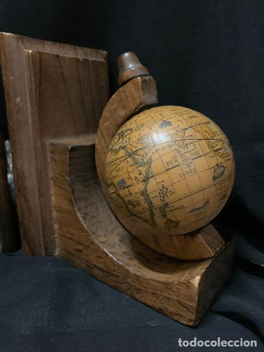 Vintage: Preciosa pareja de sujetalibros en madera, globo terraqueo o bolas del mundo. Excelente estado - Foto 8 - 261118015