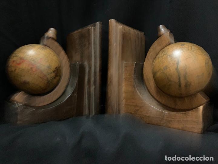 Vintage: Preciosa pareja de sujetalibros en madera, globo terraqueo o bolas del mundo. Excelente estado - Foto 9 - 261118015