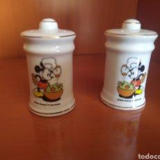 Vintage: SALERO Y PIMENTERO PORCELANA MICKEY MOUSE DISNEY. Lote 262070715