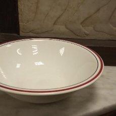 Vintage: BONITO PLATO. HONDO. BORDE ROJO. TRE C. CERAMICA. DIAMETRO 25 CM.. Lote 262605865