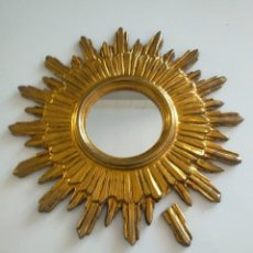 Vintage: ESPEJO DE SOL MADERA ANTIGUO PAN DE ORO. Lote 262677490