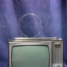 Vintage: TELEVISION MARCA IBERIA ANTENA AÑOS 60 29X39X23CMS. Lote 263037305