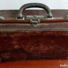 Vintage: MALETIN DE VIAJE MUY ANTIGUO - VINTAGE ATREZZO - COLECCION. Lote 264555459