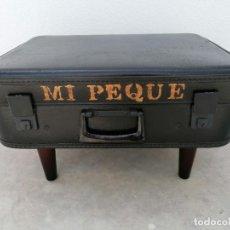 Vintage: ANTIGUA MALETA RIGIDA TRANSFORMADA PARA MASCOTA. Lote 264690194