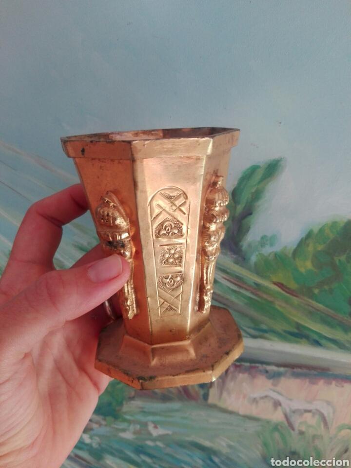 Vintage: Lapicero africano tallado a mano zinc o similar con patina dorada - Foto 2 - 267863829