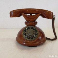 Vintage: CURIOSO TELÉFONO DE MADERA MACIZA, PLACA DE LATÓN, FUNCIONAL, UNOS 19 CMS. ALTO, SIN PROBAR. Lote 270176388