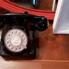 Vintage: TELÉFONO NEGRO DIAL IMITACIÓN ANTIGUO BAQUELITA Y FUNCIONANDO. Lote 270243293